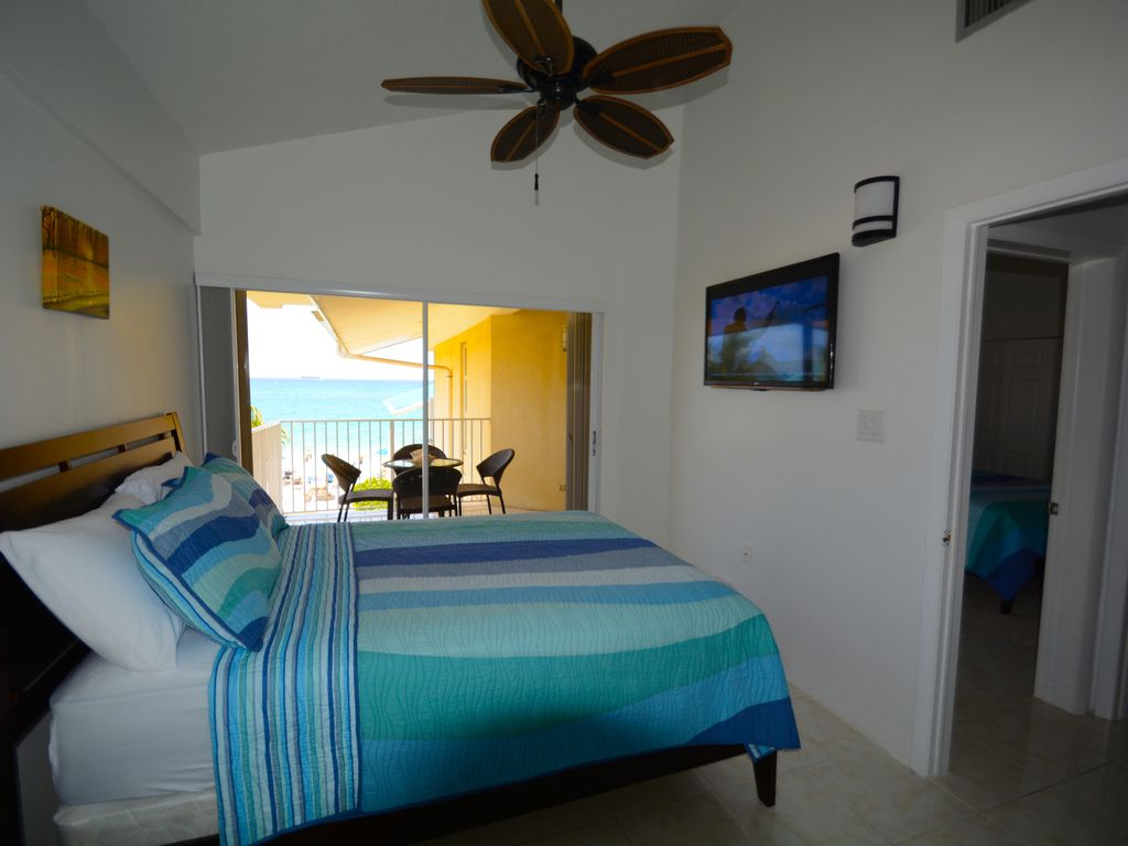 CaymanReefResort#42_Bedroom2