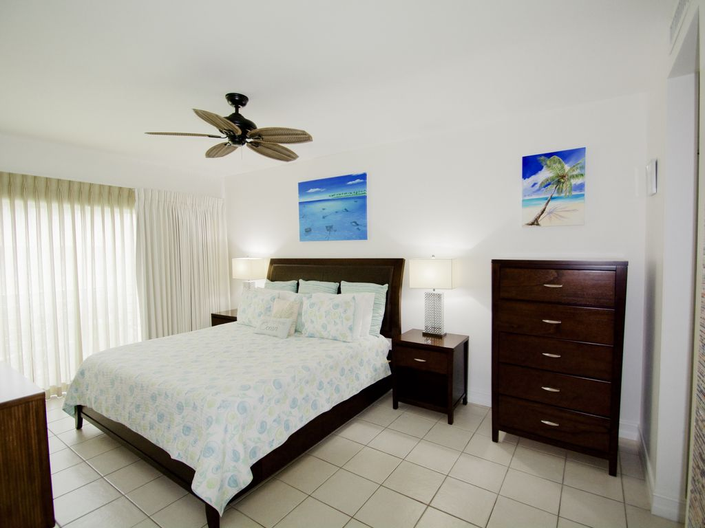 RegalBeach#123_Bedroom