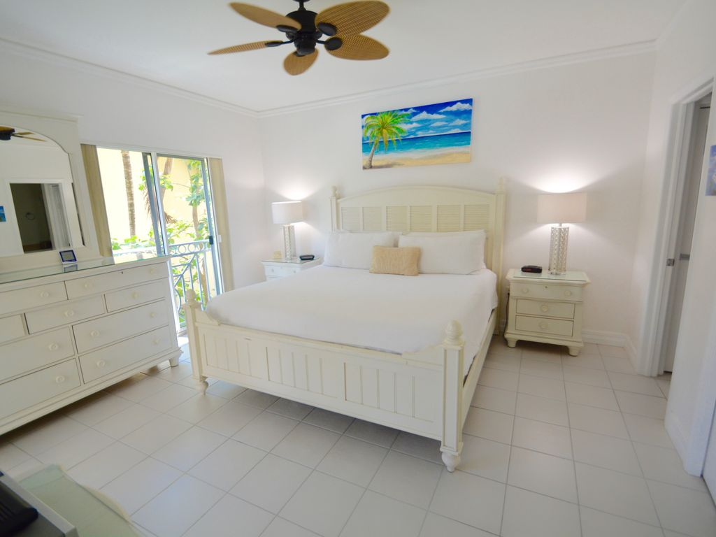RegalBeach#523_Bedroom